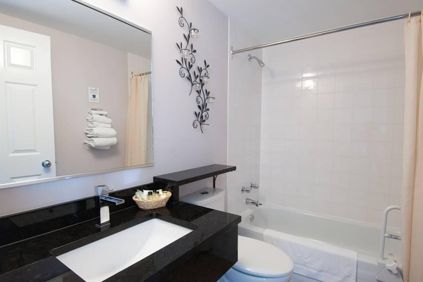 Salle de bain Motel le Point de Vue