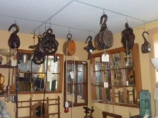 Poulies en bois et métal